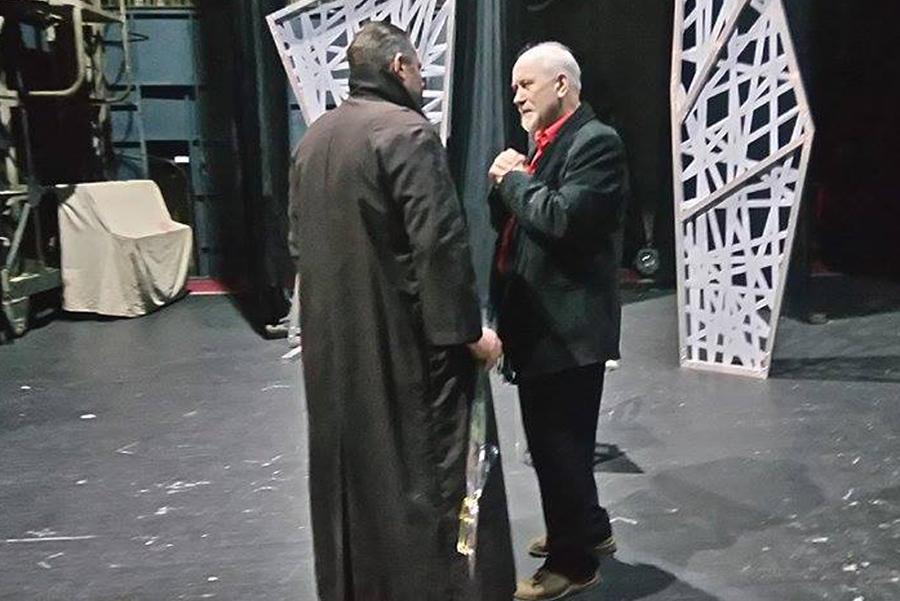 Обсуждение после премьеры всегда бывает жарким: актер Павел Кордик и режиссер спектакля Валерий Анисенко